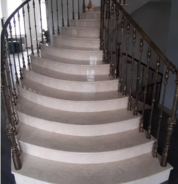 Мраморные ступени для лестницы: виды и особенности эксплуатации