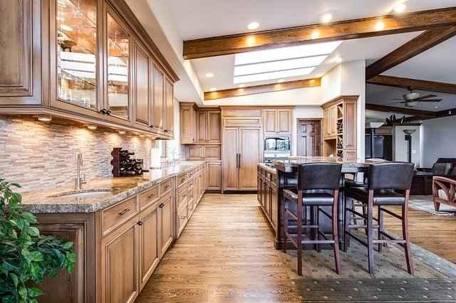 Натуральные кухонные столешницы из камня