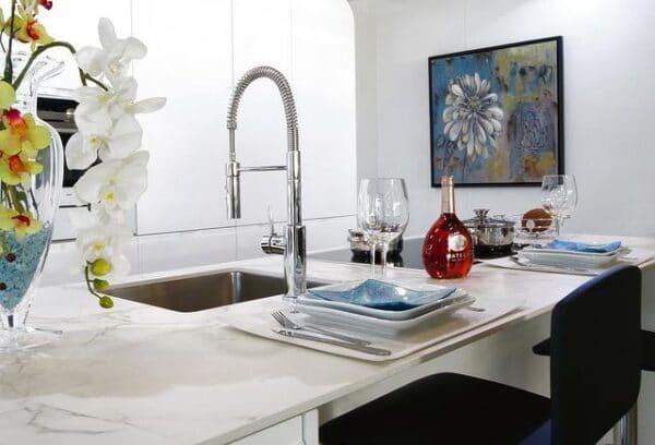 Мраморные столешницы для кухни и ванной: цены, характеристики, преимущества