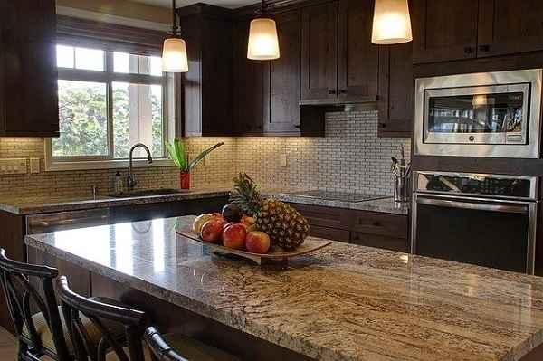 Каменные столешницы для кухни: плюсы и минусы, фото, цена